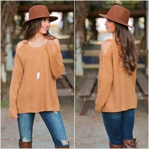 ✨LAST ONE✨Camel Cold Shoulder Ring Detail Sweater